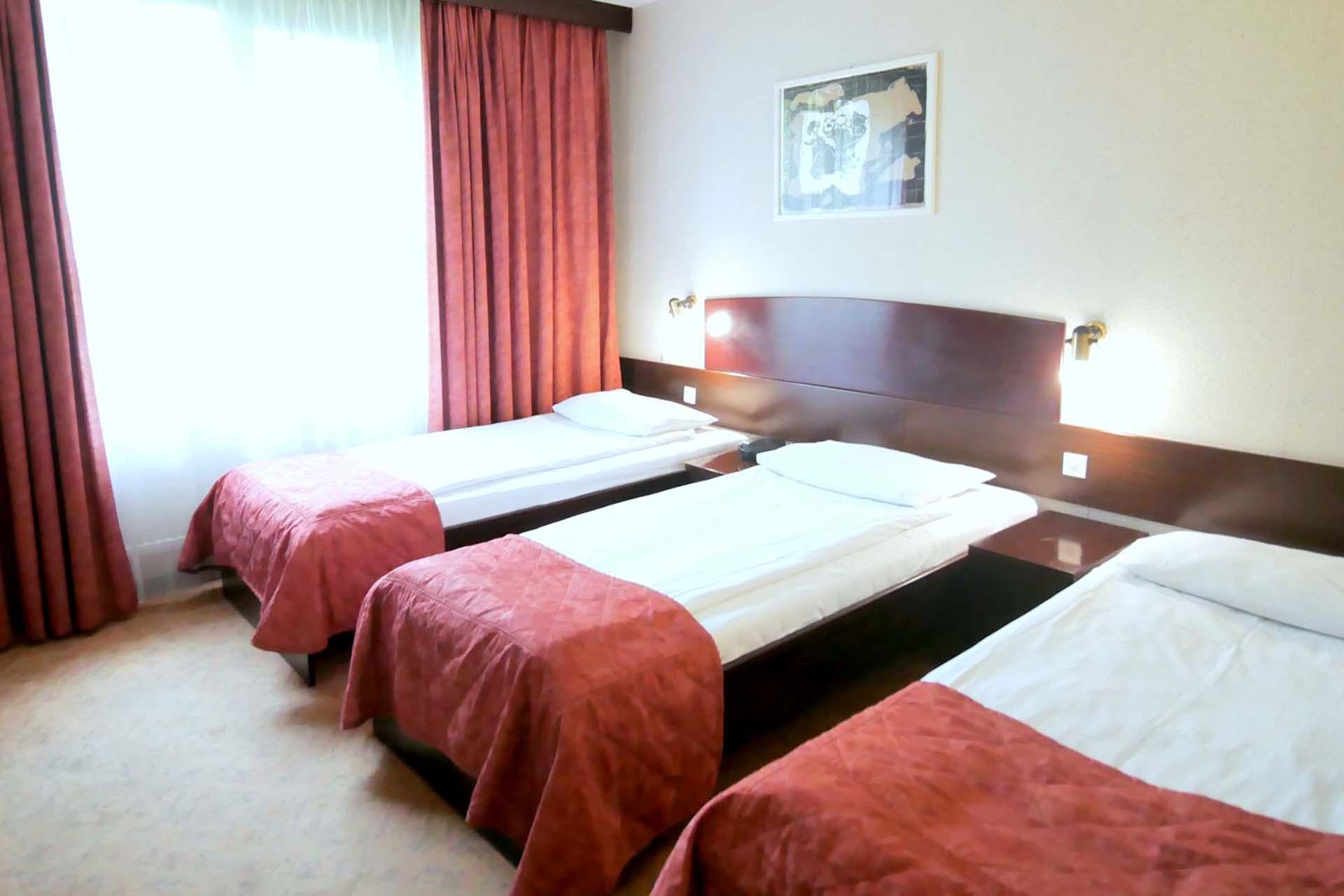 pokoj-trzy-osobowy-go-resort
